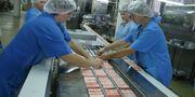 Работа в Европе - Упаковка крабовых палочек  в производстве